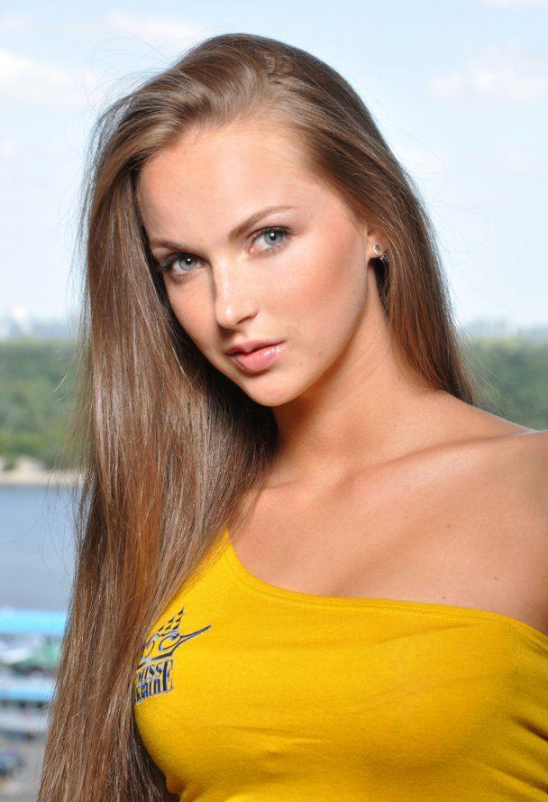 В воскресенье станет известно имя самой красивой девушки Украины (фото)