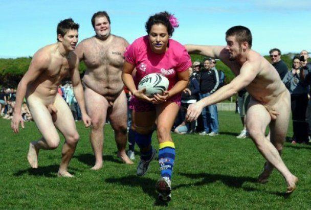 У матчі з голого регбі в Новій Зеландії перемогли жінки