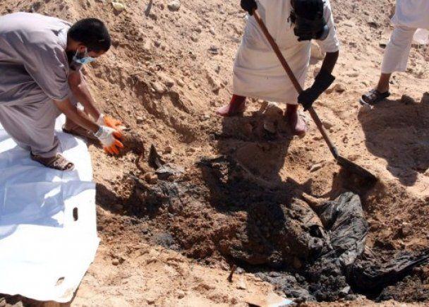 Под Триполи обнаружили братские могилы африканских наемников Каддафи