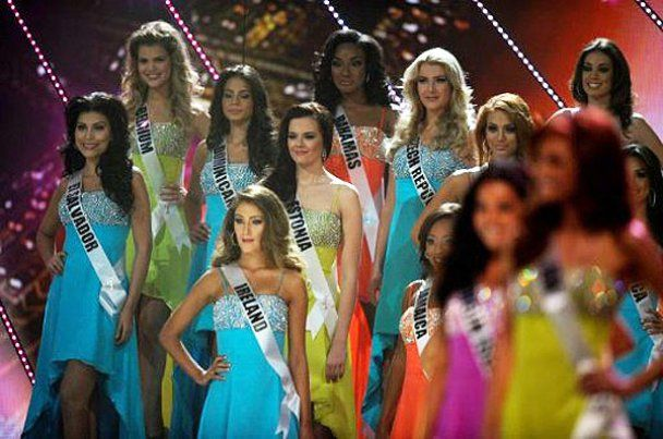 """Конкурс """"Мисс Вселенная-2011"""" не обошелся без громкого скандала (видео)"""