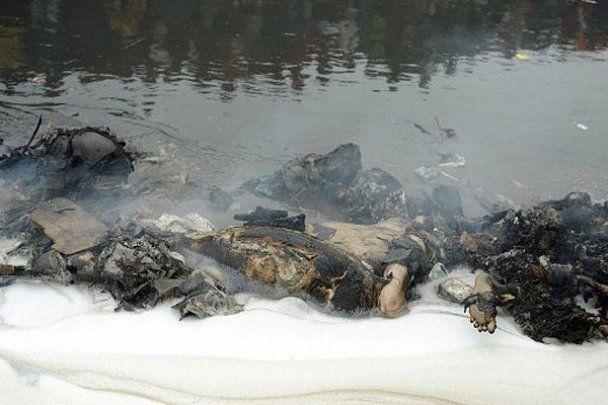 В Кенії живцем згоріли більше 100 людей (жахливі фото)