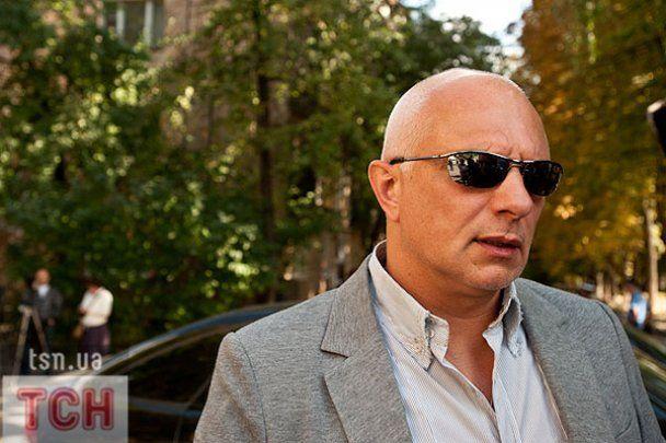 Яценюк виніс з СІЗО хлібину, а чоловік Тимошенко загубив Жужу