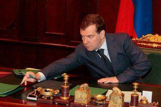 """Медведев не пошел на выборы, чтобы не """"пролететь"""""""