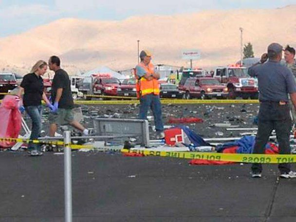 Трагедія на авіашоу в США: літак впав на натовп глядачів