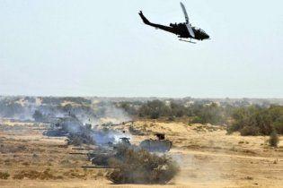 В США разбился военный вертолет: 2 пилота погибли, пожар на базе