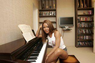 Звезды пережидают осеннюю депрессию в соляриях и пишут музыку