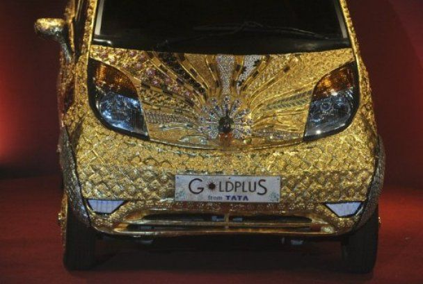 Золотий автомобіль Tata Nano створили в Індії