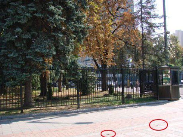 Верховну раду обнесли двометровим парканом