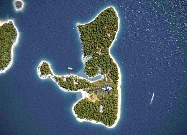 Экологический стеклянный дом Наоми Кэмпбелл на острове