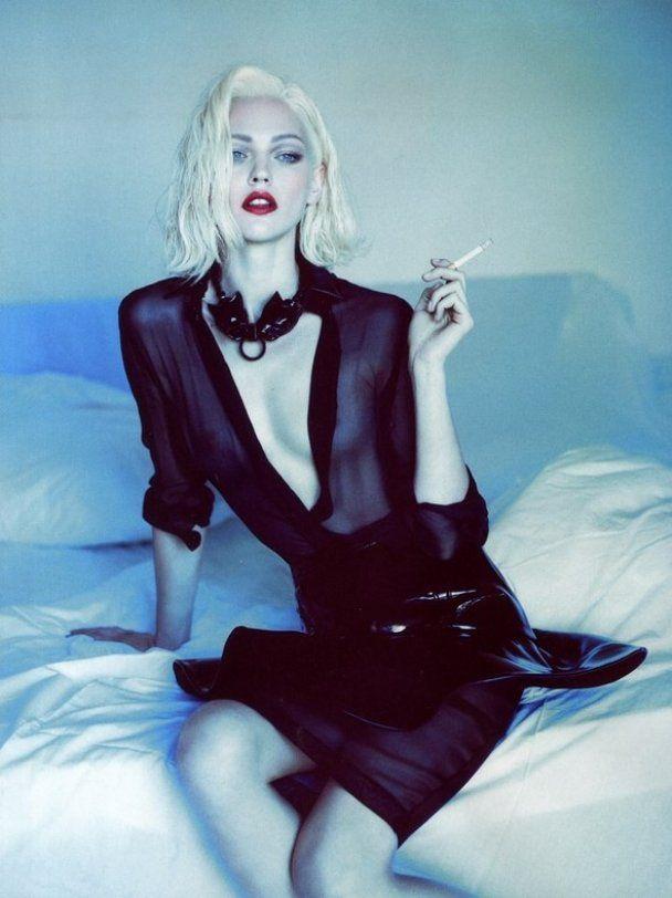 Безсоромна фотосесія Саші Пивоварової для Vogue Paris
