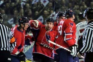 """""""Компаньйон"""" і """"Сокіл"""" лідирують в українській хокейній лізі"""