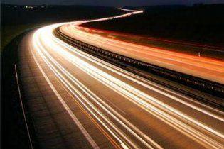 Ученым удалось второй раз обогнать скорость света