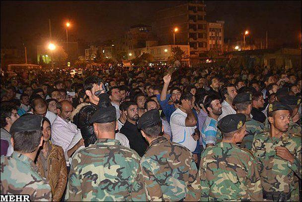 В Ірані публічно повісили підлітка (шокуючі фото)