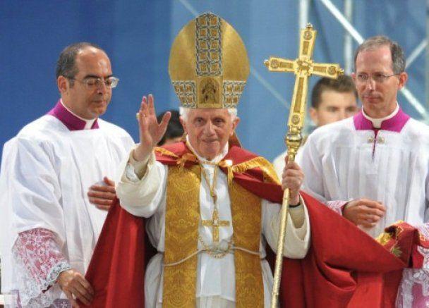 У Німеччині невідомий обстріляв охорону Папи Римського