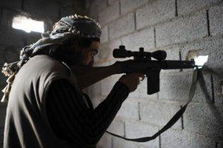 Рідне місто Каддафі не вдається захопити: на мечетях засіли снайпери