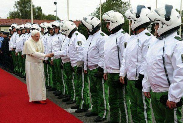 Папа Римський Бенедикт XVI відвідав свою рідну Німеччину