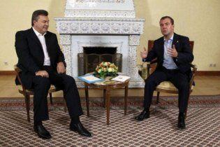В России ждут переговоров Медведева и Януковича относительно статуса русского языка