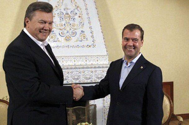 Президента Януковича в Москві частували вином і фореллю