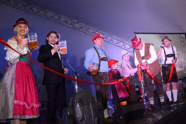 """На """"Октоберфесте 2011"""" в Киеве пиво лилось рекой"""