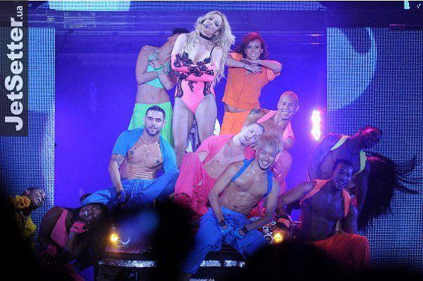 Брітні Спірс влаштувала стриптиз на концерті в Києві