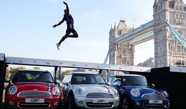 Британський стрибун унікальним методом готується до Олімпіади-2012 (відео)
