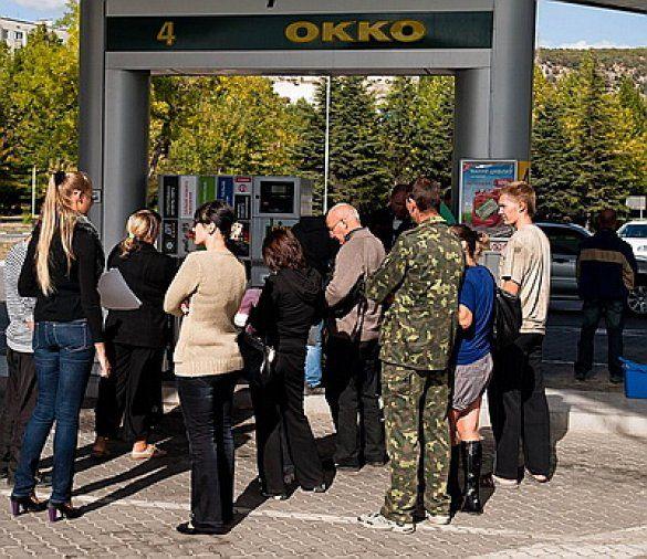 На АЗС в Крыму перепутали бензин и дизель: поломаны 35 авто_1