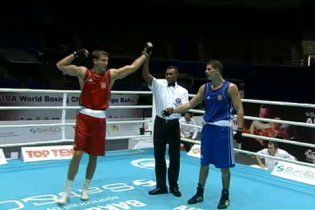 Двоє українців вийшли у чвертьфінал чемпіонату світу з боксу