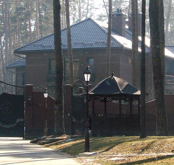 "Замгенпрокурора Кузьмин на месте госдачи построил ""домик"" под себя"