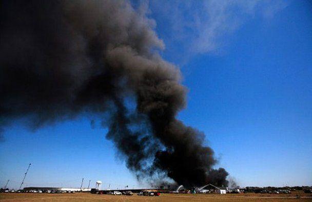 Масштабна пожежа на хімічному заводі в Техасі