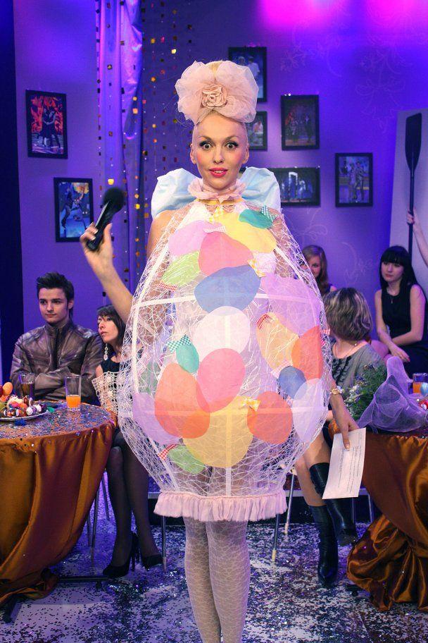 Епатажна суперблондинка Оля Полякова вдруге стала мамою