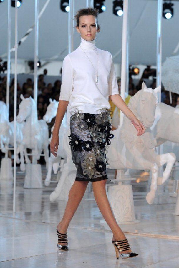 Louis Vuitton в Париже: ретромелодрама с happy end-'ом и Кейт Мосс
