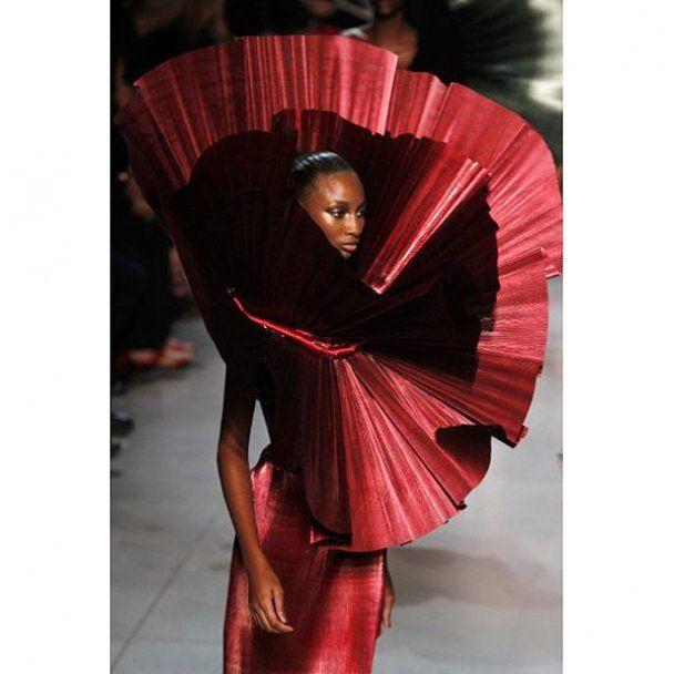 Неделя моды в Париже: хулиганки, куртизанки и пай-девочки
