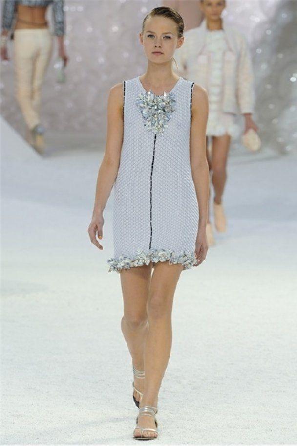 Неделю моды в Париже закрыли Chanel и Alexander McQueen