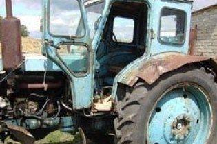 В Винницкой области мужчину задавил собственный трактор