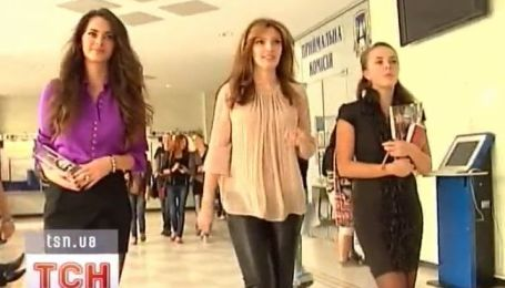 Николаенко и Стефанко убеждали студенток принимать участие в конкурсах красоты