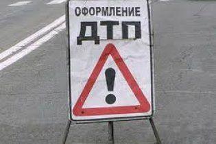 В Киеве автобус вылетел на тротуар: 10 пострадавших