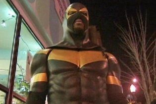У Сіетлі місцевого супергероя затримали за напад