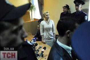 Політолог: Янукович зможе їздити тільки в Монголію через вирок Тимошенко
