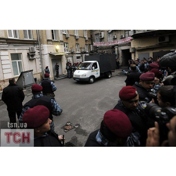 Вирок Тимошенко, репортаж із зали Печерського суду_1