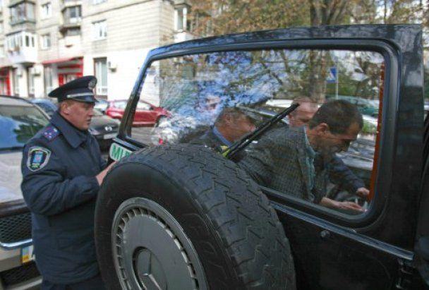 Міліція відібрала намети у пікетувальників Генпрокуратури