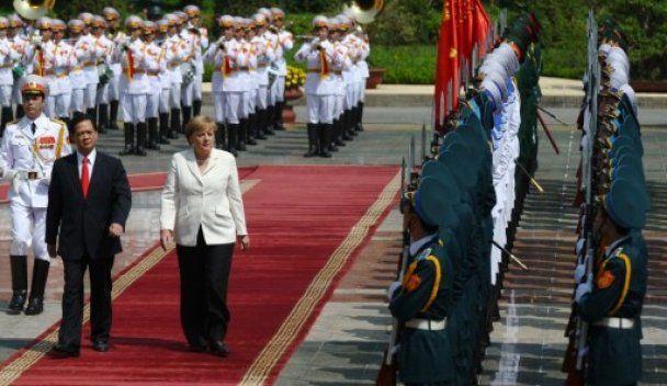 Азиатское турне Меркель: Вьетнам и Монголия