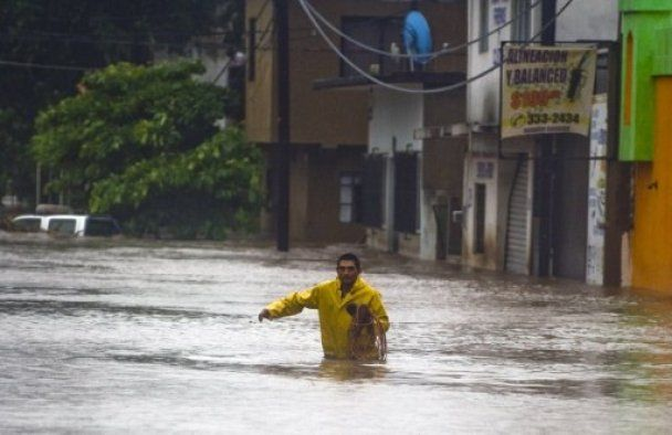 """Над Мексикою пронісся ураган """"Джові"""""""