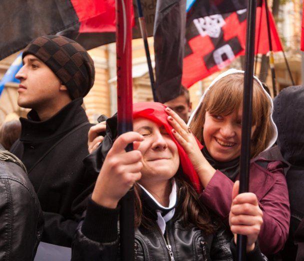 Националисты установили в Киеве памятник Мазепе