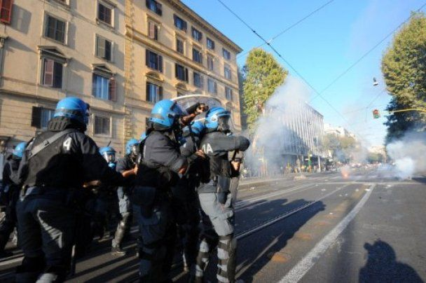 В ходе беспорядков в Риме пострадали 70 человек, 12 арестованы