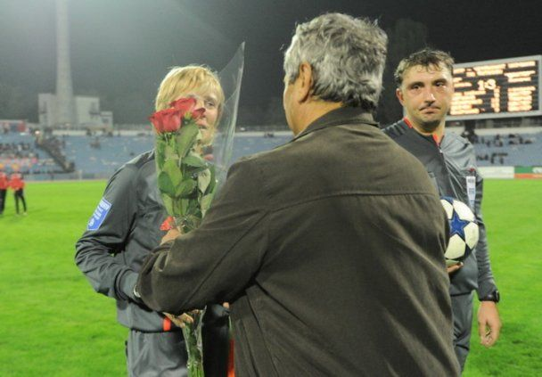 Луческу подарував квіти жінці-арбітру, яку розкритикував