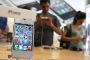 iPhone 4S побил рекорд продаж iPhone 4