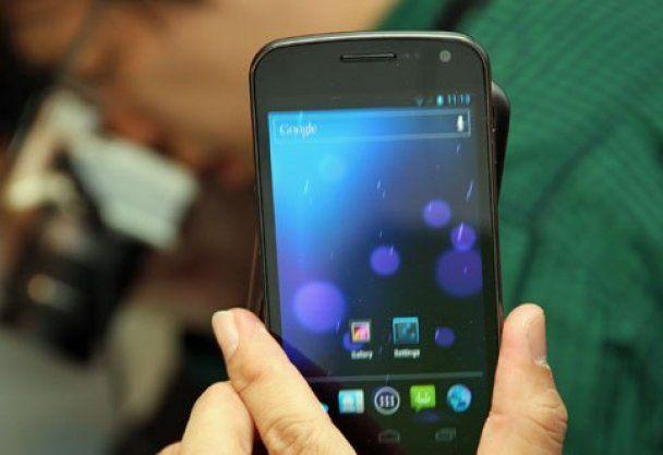 Google и Samsung презентували смартфон на базі Android 4.0