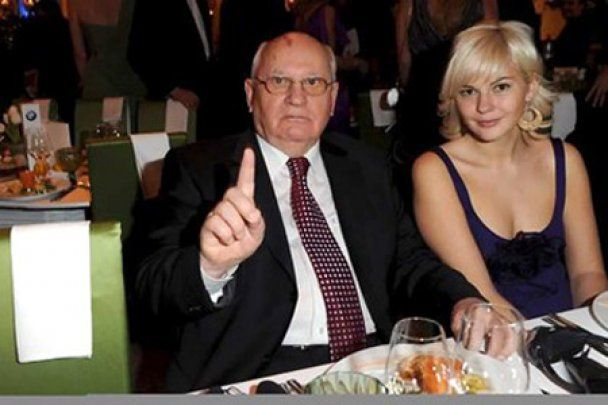 Правнучку Горбачова вперше показали світові