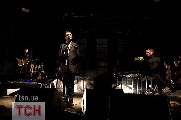Шоу Hurts в Киеве: розы и разбитые микрофоны