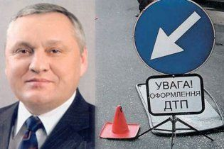 Водія КамАЗу, в який врізався мер Обухова, не вбивали у СІЗО - міліція